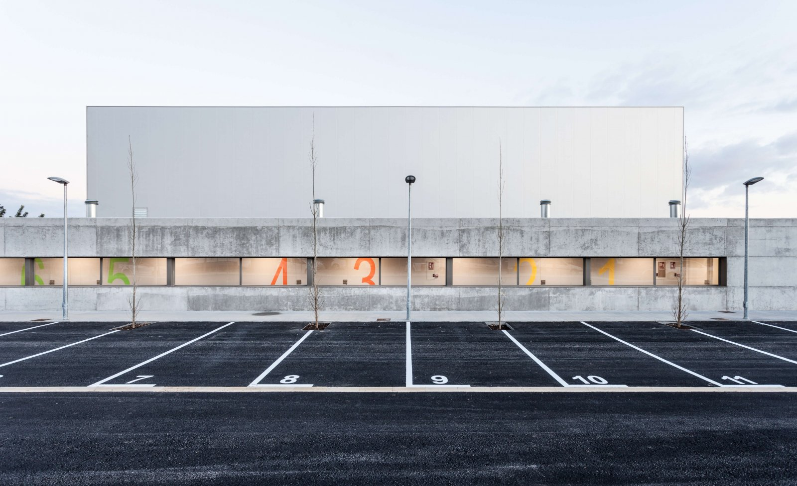 Another detail view of the parking lot of the son ferragut pavilion
