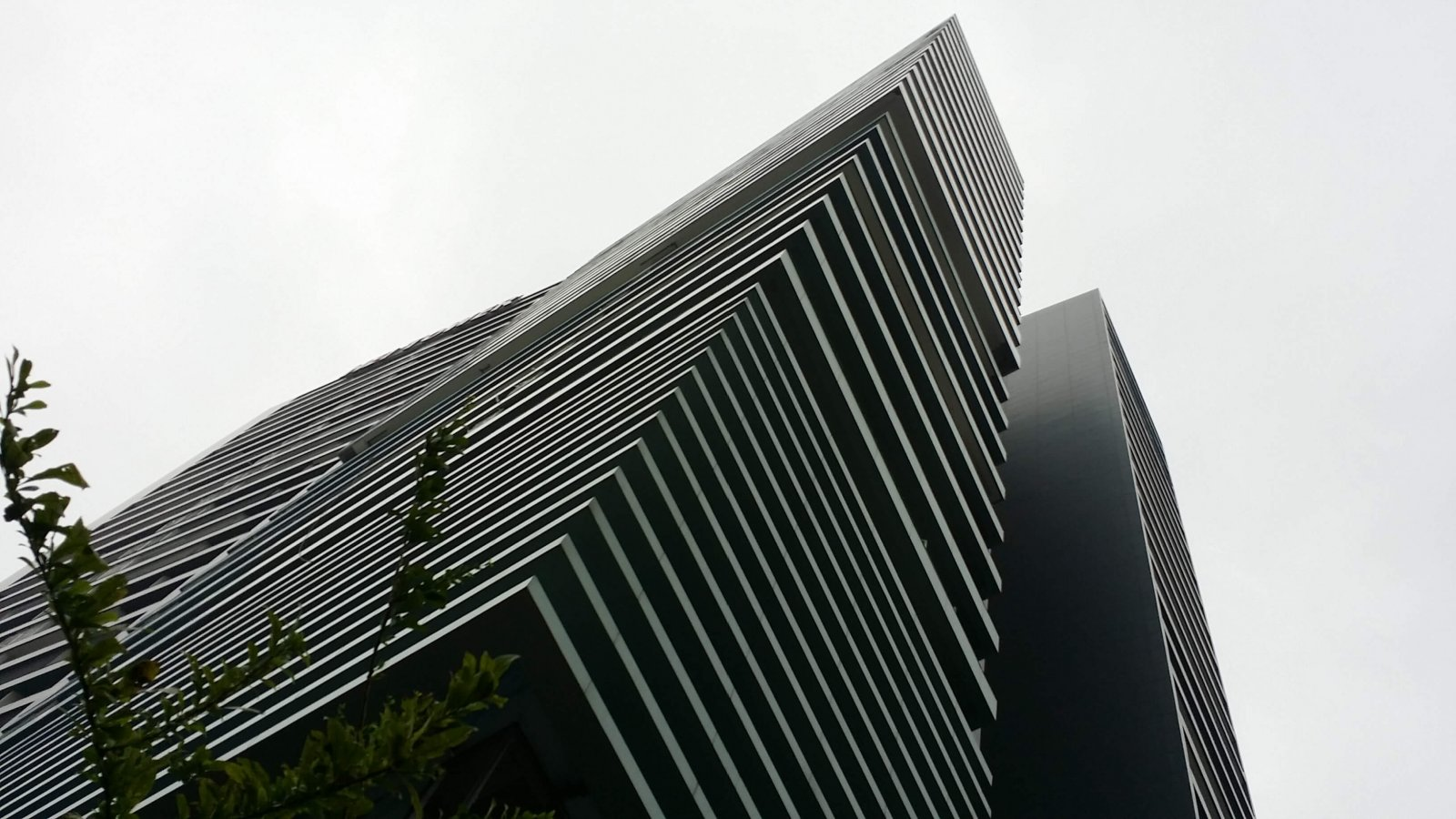 Hei tower facade design